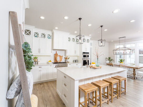 White Marble Kitchen Design Project in Houston, TX
